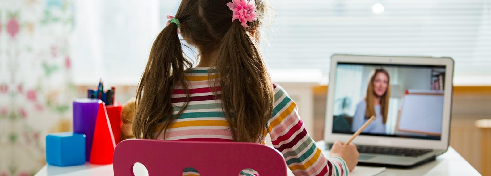 Child in virtual class